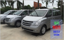 Cheap self-drive car rental Da Nang of Starex 9 seats